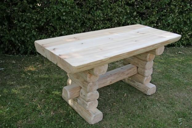 Rustikaler Holz Gartentisch, massive Gartenmöbel Gartenbänke und ...