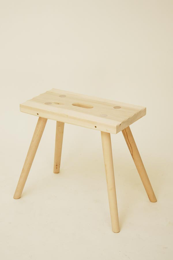 holz hocker rustikal eckig aus der bauernstube rustikale. Black Bedroom Furniture Sets. Home Design Ideas